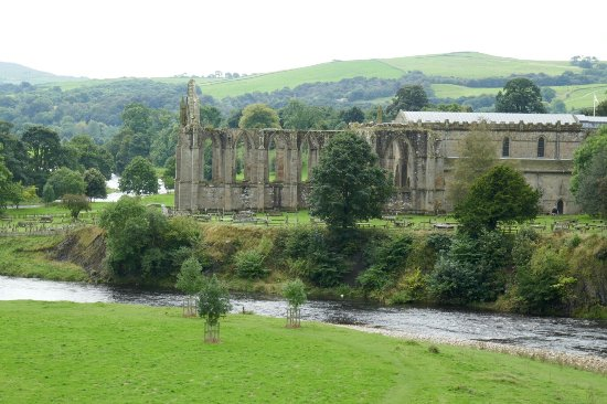 Bolton Abbey, UK: 1050614_large.jpg