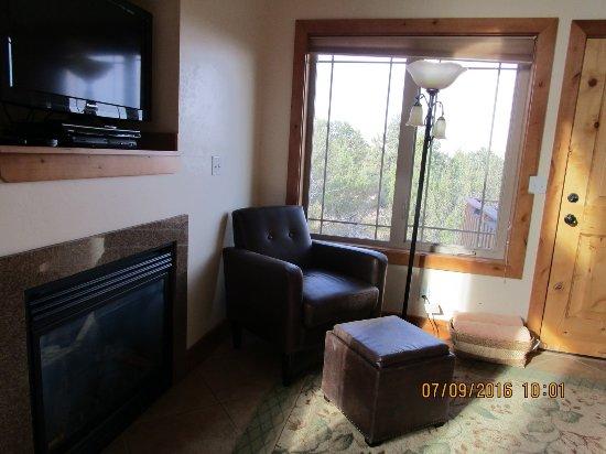Stone Canyon Inn: Lounge