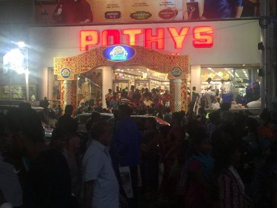 T Nagar, Ranganathan Street: Look at the rush!