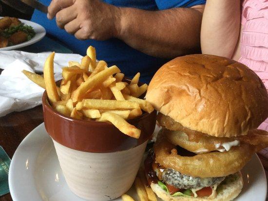 Ye Olde Bell & Steelyard: Burger.
