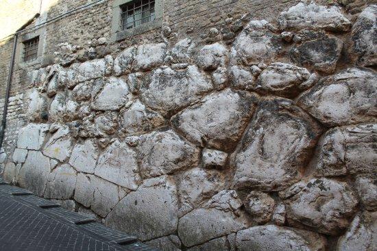 Mura Ciclopiche pelasgiche - Cori