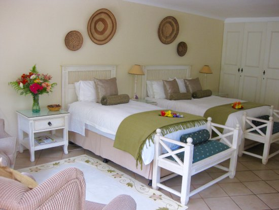 Malvern Manor Country Guest House: Savannah Room