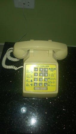 Welcome Plaza Hotel: Телефон в номере
