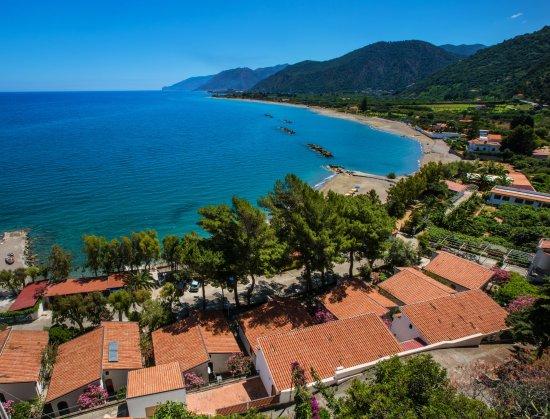 Villaggio Residence Testa di Monaco: Villaggio con vista sulla costa da Capo d'Orlando a Gioiosa Marea