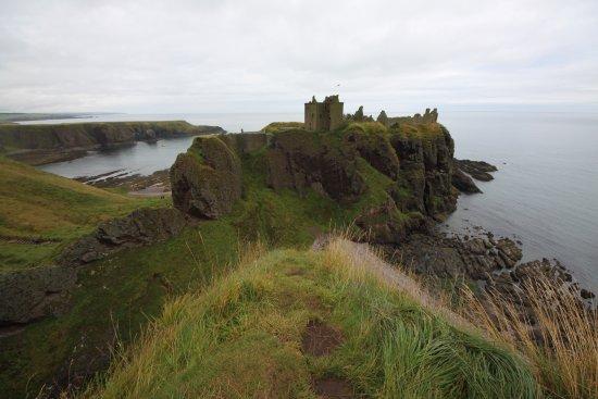 Stonehaven, UK: Vista del castello dal punto panoramico