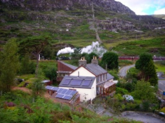 Blaenau Ffestiniog, UK: Ffestiniog steam trains.  It is the law to wave to the trains and maybe get a toot!