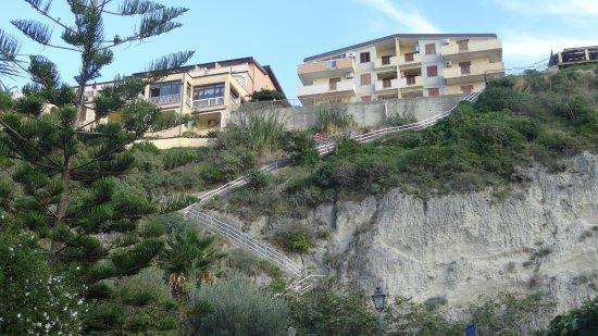 Blick vom Strand - Foto di Hotel Terrazzo Sul Mare, Tropea - TripAdvisor