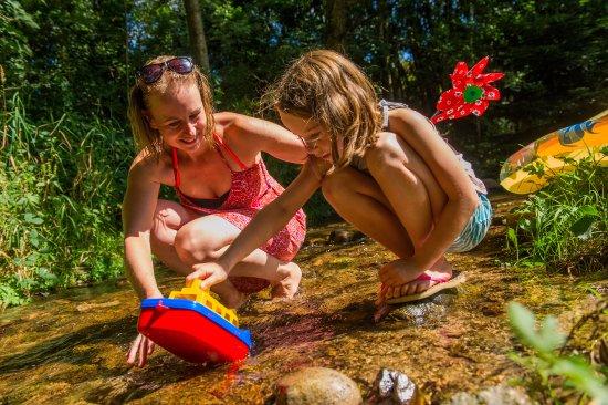 Corcieux, Γαλλία: Ruisseau Camping Sites et Paysages Au Clos de la CHaume  camping gerardmer Vosges
