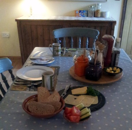 Llandysul, UK: We can offer other breakfast choices given notice.