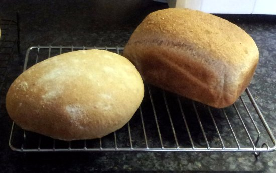 Llandysul, UK: Home made bread for our breakfasts.