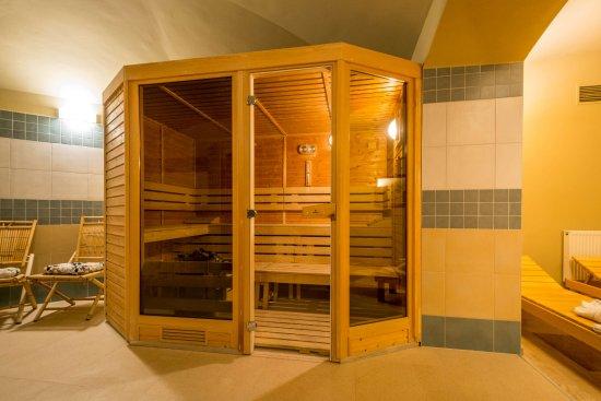 Prague centre plaza czech republic hotel reviews for Prague bathhouse