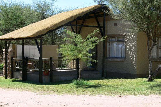 Okahandja, Namibia: Aircondition self-catering bungalow's, BB, DBB, for family or two people sharing..