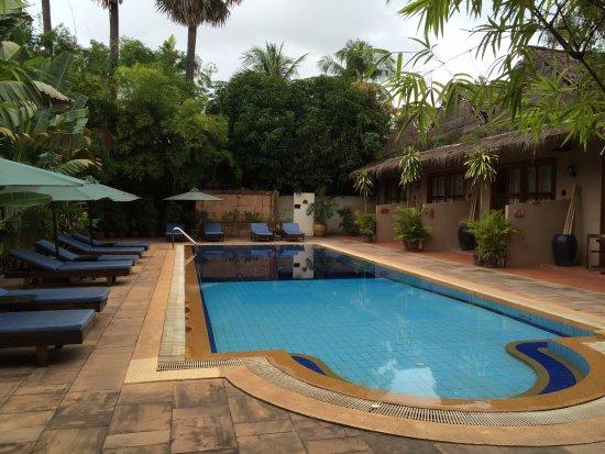 Antanue Spiritual Resort & Spa: 小さいが清潔なプール