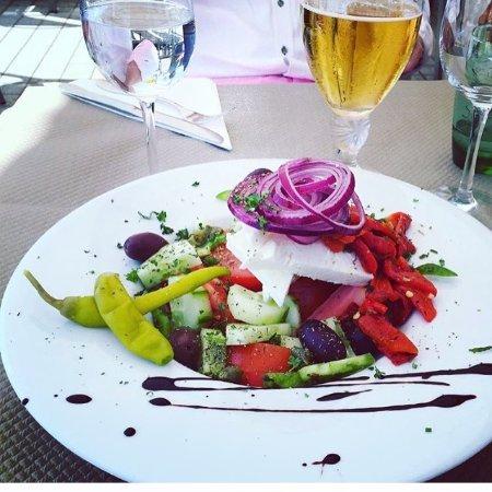 Golfe-Juan Vallauris, Frankrike: Fräsch grekisk sallad