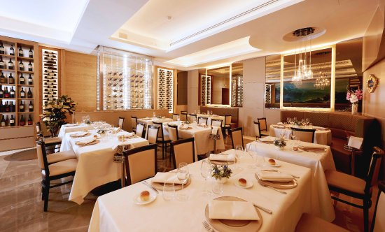 Harry S Bar Trevi Hotel Restaurant