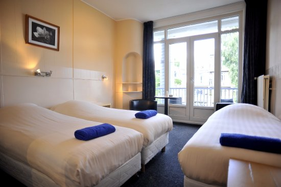 Hotel Abba: Triple room