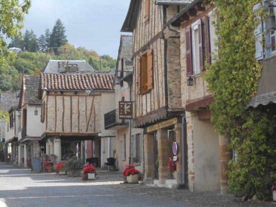 Rue typique de Najac