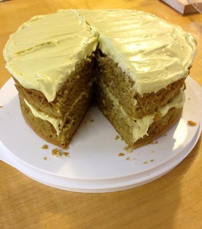 Kettlewell, UK: Our delicious Matcha cake.  Made with Matcha green tea