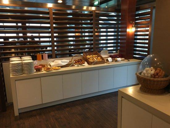 West-Terschelling, Países Baixos: Ontbijt buffet