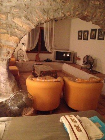 Roquefort-les-Pins, France : suite d'appartement deux chambres