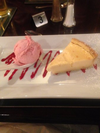 South Petherton, UK: Too full for puddings most nights, but delicious!