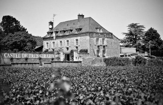 Morey St Denis, فرنسا: CASTEL DE TRES GIRARD