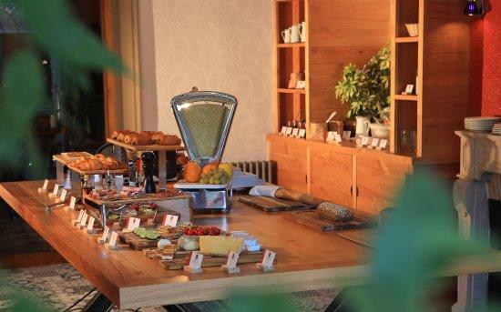 Aurillac, Francia: Petit déjeuner