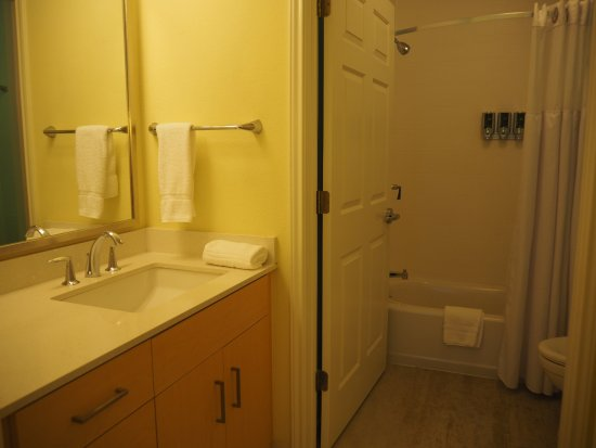Andover, MA: Nice bathroom