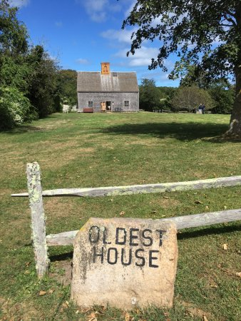 Oldest House (Jethro Coffin House) : Oldest House Nantucket