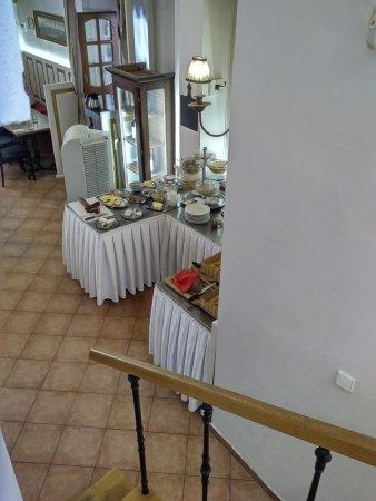 Hotel U Zlateho Jelena: Breakfast room