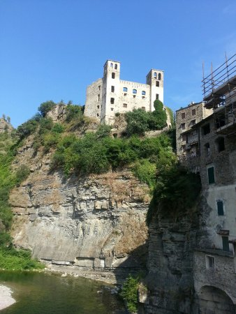 Ligurie, Italie : Dolceacqua