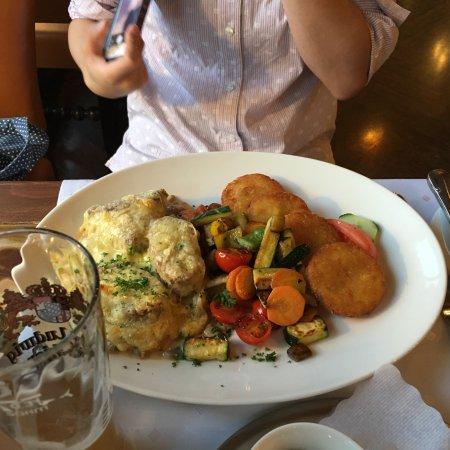 Nassereith, Αυστρία: 1Fのレストランでの夕食(有料)