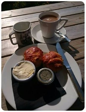 West Bexington, UK: tea and scones!