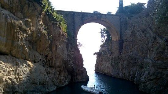 Fiordo di Furore, Itália: Fiordo visto dalla spiaggia