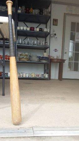 Τζάκσονβιλ, Βόρεια Καρολίνα: Let's see how the wood bat does.