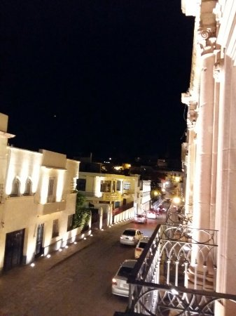 Terrasse Hotel: 20160927_211513_large.jpg