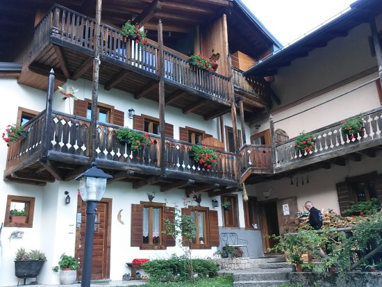 Pieve di cadore pictures traveller photos of pieve di - Hotel giardino pieve di cadore ...