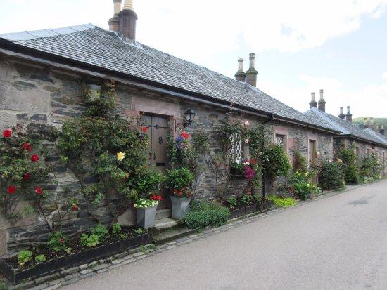 Luss, UK: nice little houses