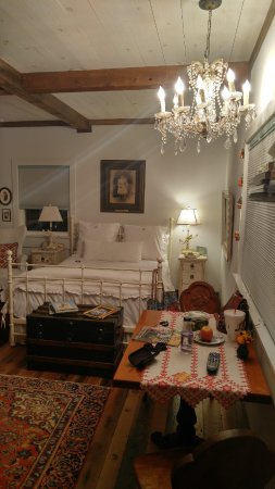 Round Top, TX: Beautifully decorated and comfortable