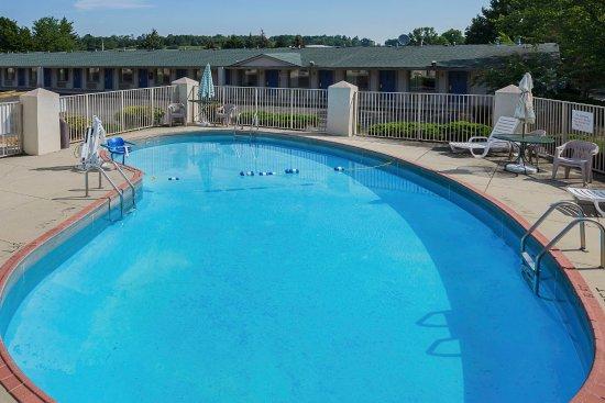 Wytheville, VA: Pool