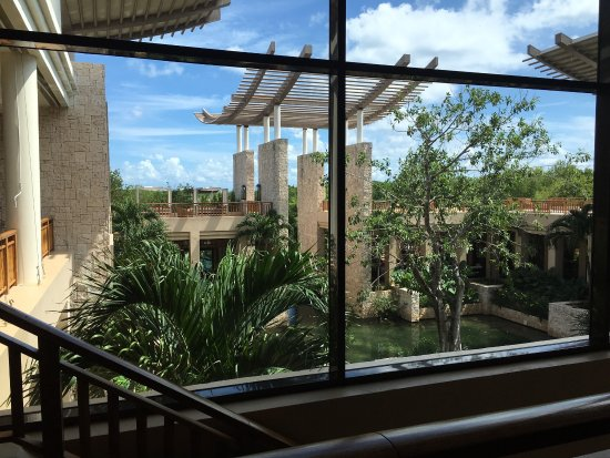 Banyan Tree Mayakoba: Destination Wedding Extravaganza! Has to be one of the most luxurious beautiful places on earth.