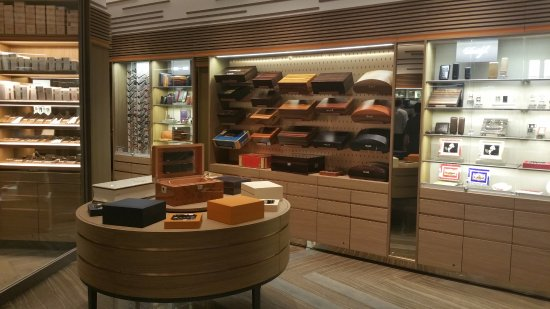 Humidors and accessories - Picture of Davidoff of Geneva