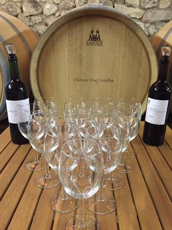 Saint-Christoly-Medoc, ฝรั่งเศส: Visite et dégustation gratuite et sans rendez-vous au Château Tour Castillon
