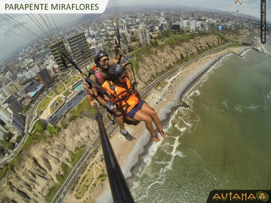 Flying above Lima to get the best views of the City!