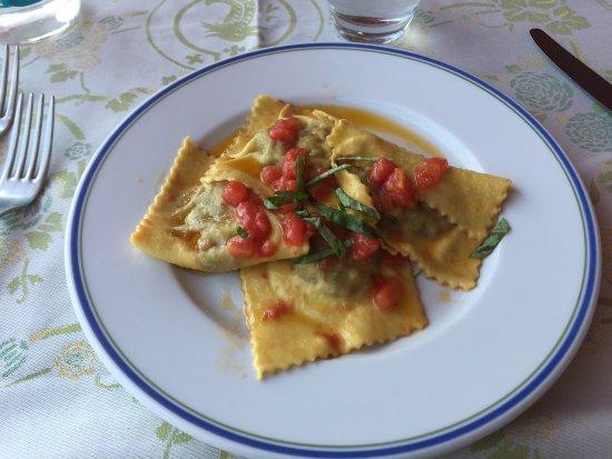 Artimino, Italien: Ristorante Da Delfina
