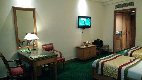 MK Hotel Amristar: Delux room interior..