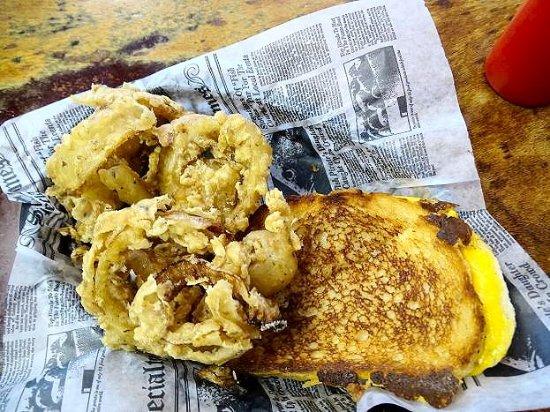 เดลาแวร์, โอไฮโอ: grilled cheese/onion rings