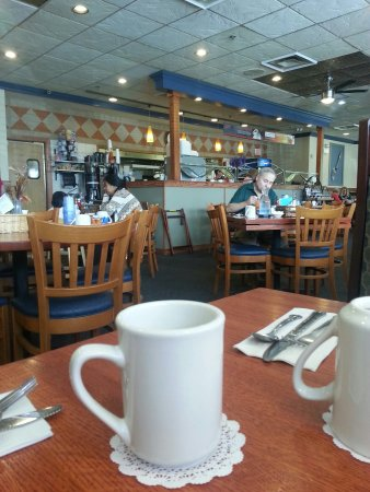 Darien, IL: Interior of the restaurant and breakfast served.
