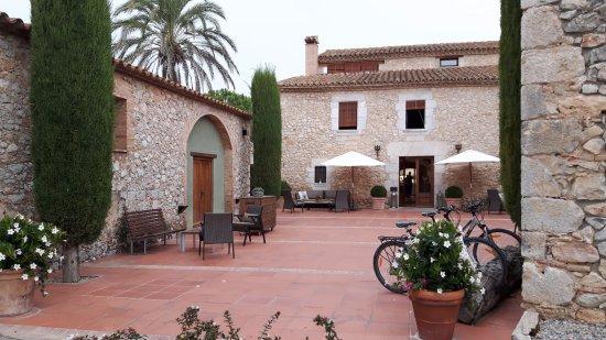Avinyonet de Puigventos, Hiszpania: entrée