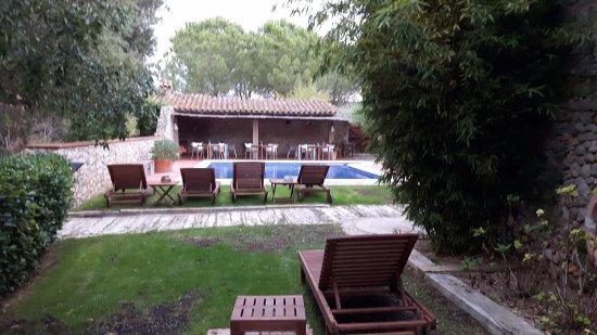 Avinyonet de Puigventos, Hiszpania: le coin piscine